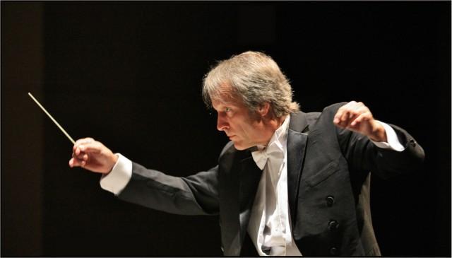 Steve Errante Conducting Wilmington Symphony